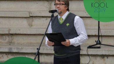 Photo of Vabariigi Presidendi ning haridus- ja teadusministri vastuvõtul peab parimate lõpetajate nimel kõne ELVA GÜMNAASIUMI õpilane!