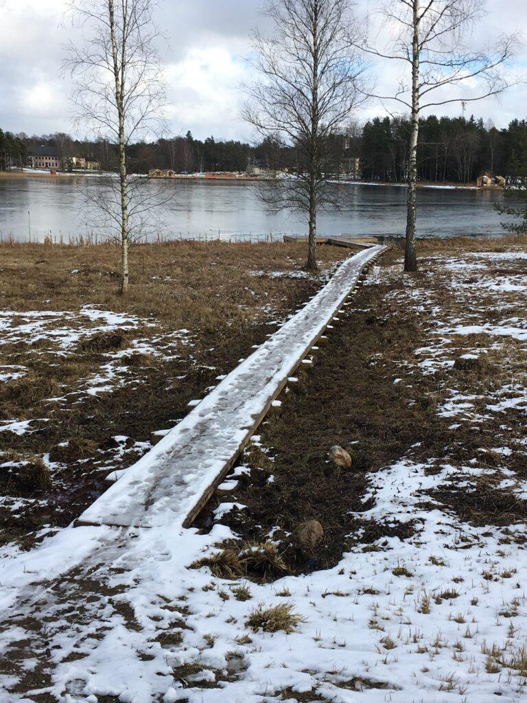 Arbi järve ääres uus ligipääsutee ja ujumispurre
