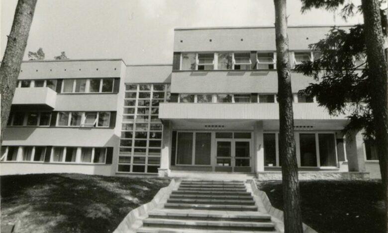 Elva polikliinik, fassaadi vaade. Arhitekt Jaan Pärnik.